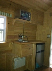 tiny-house-kitchen-373x500