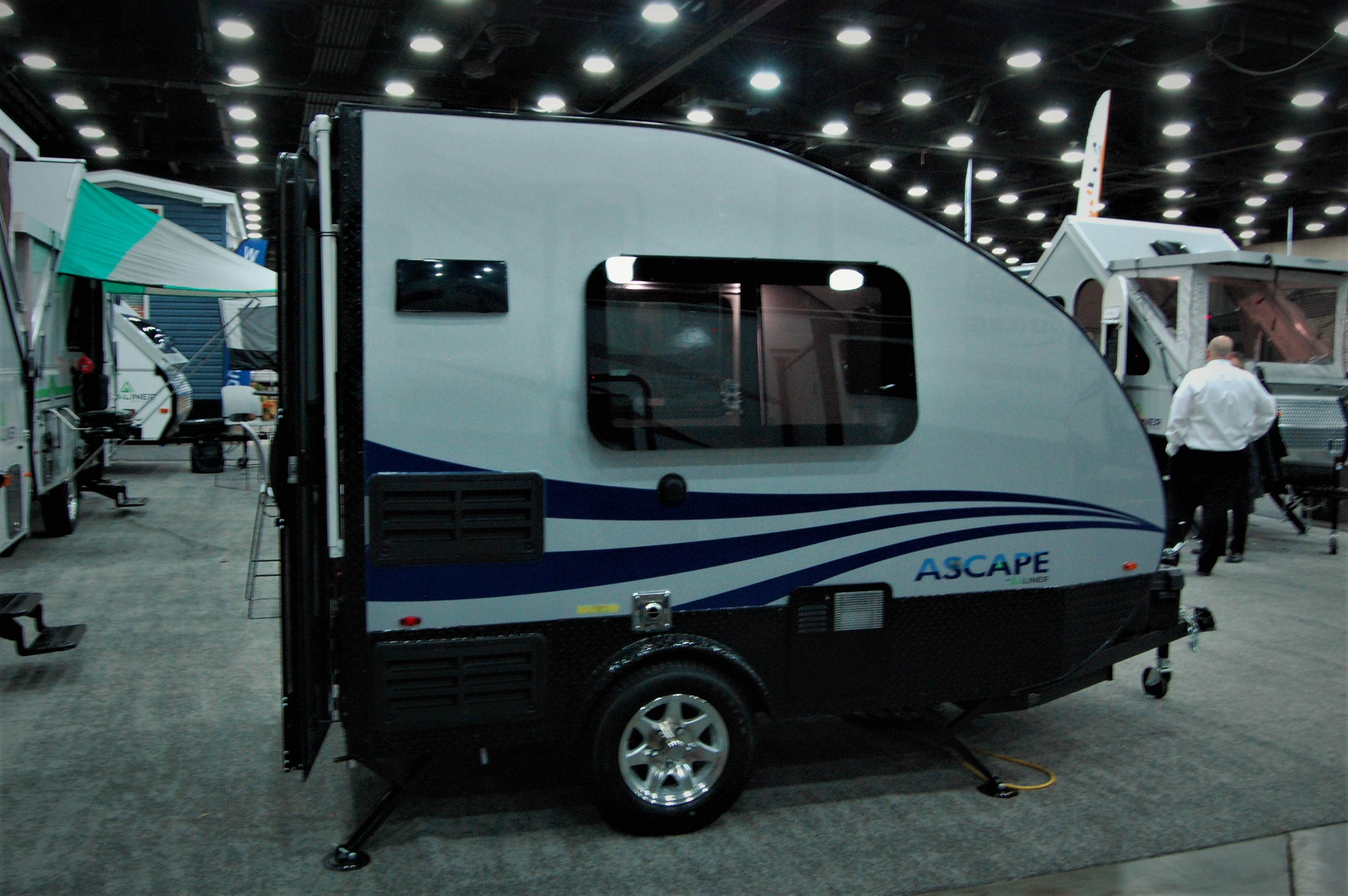 The Travel Lite Falcon Is One That Easily Attracts While Travel Lite Is Known Mainly For Truck Campers In Recent Years They Ve Introduced Travel Trailers